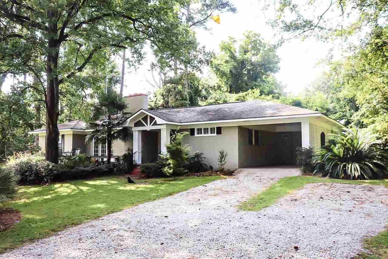 221 N Lake Drive Property Photo