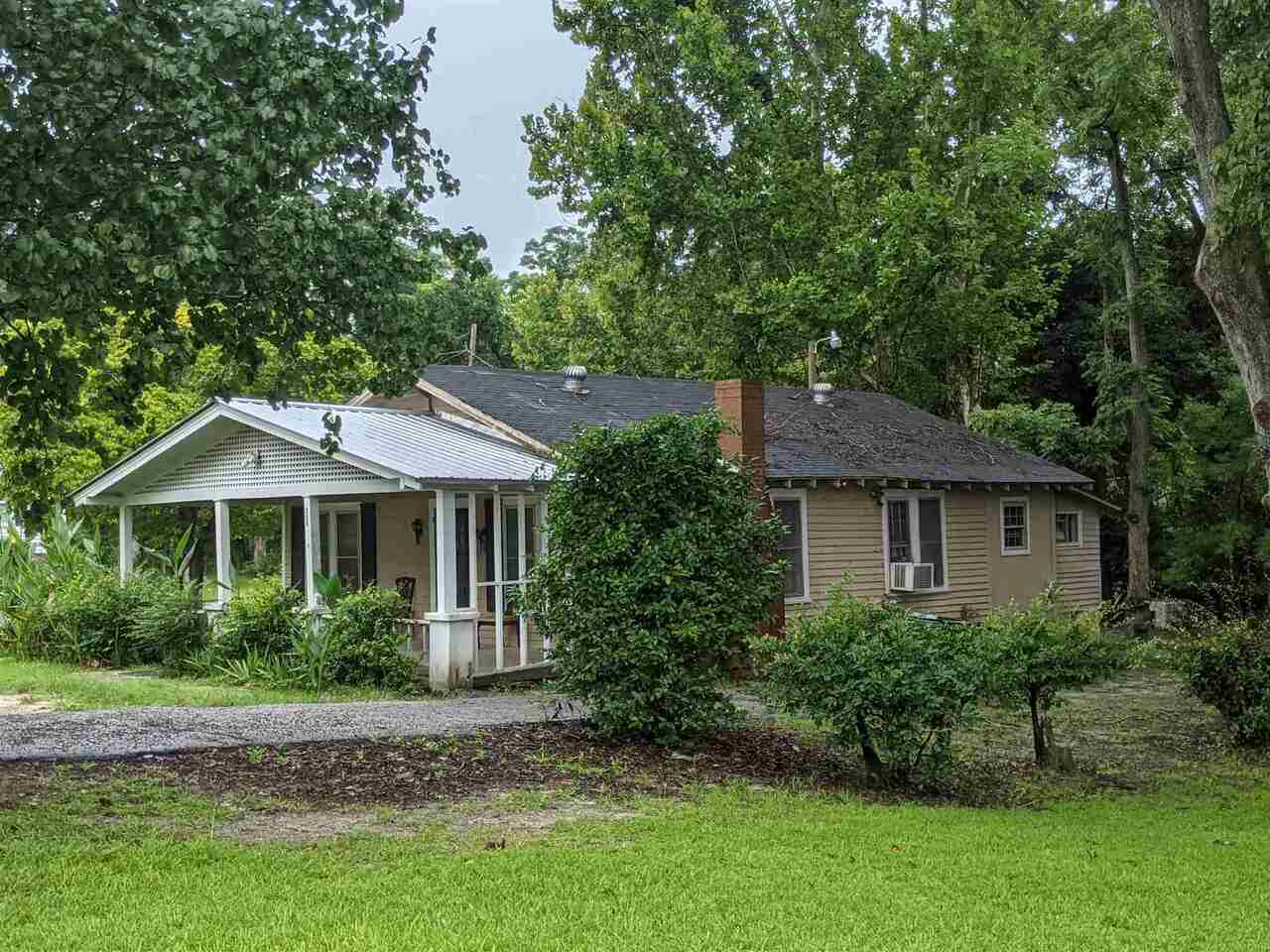 208 Curtis Street Property Photo