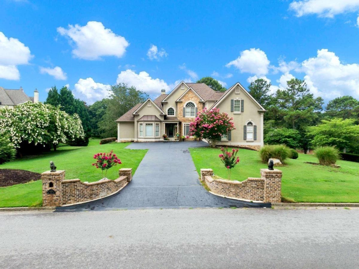 5422 Golf Club Drive Property Photo