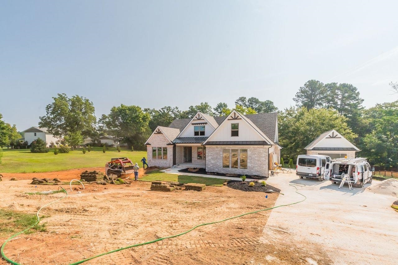 1220 Olde Lexington Road Property Photo