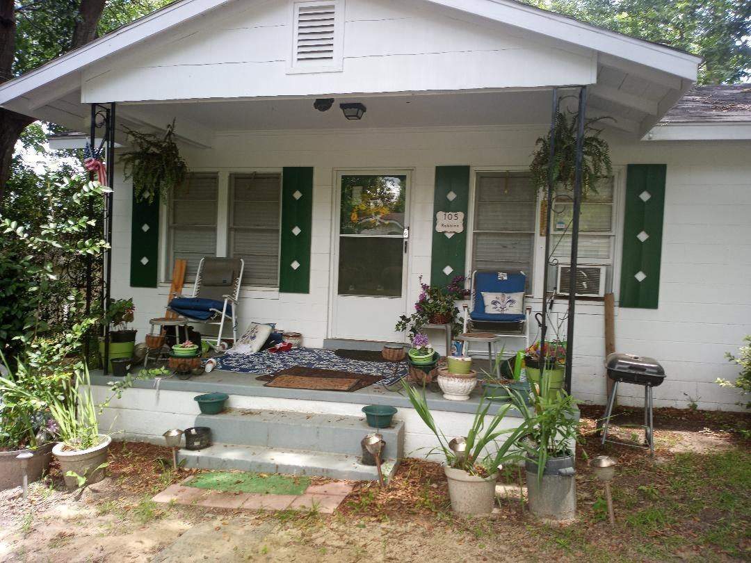 105 Howard Street Property Photo