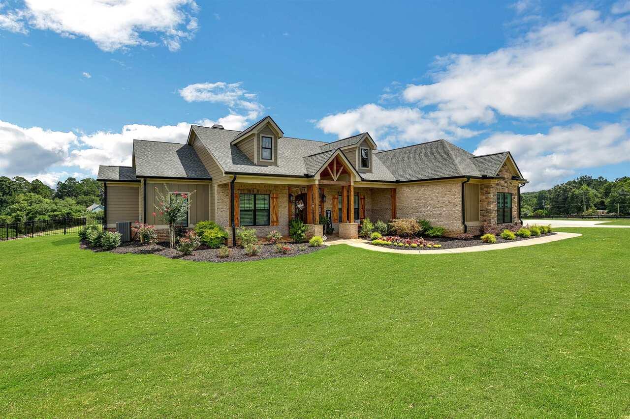 1044 Austin Road Property Photo