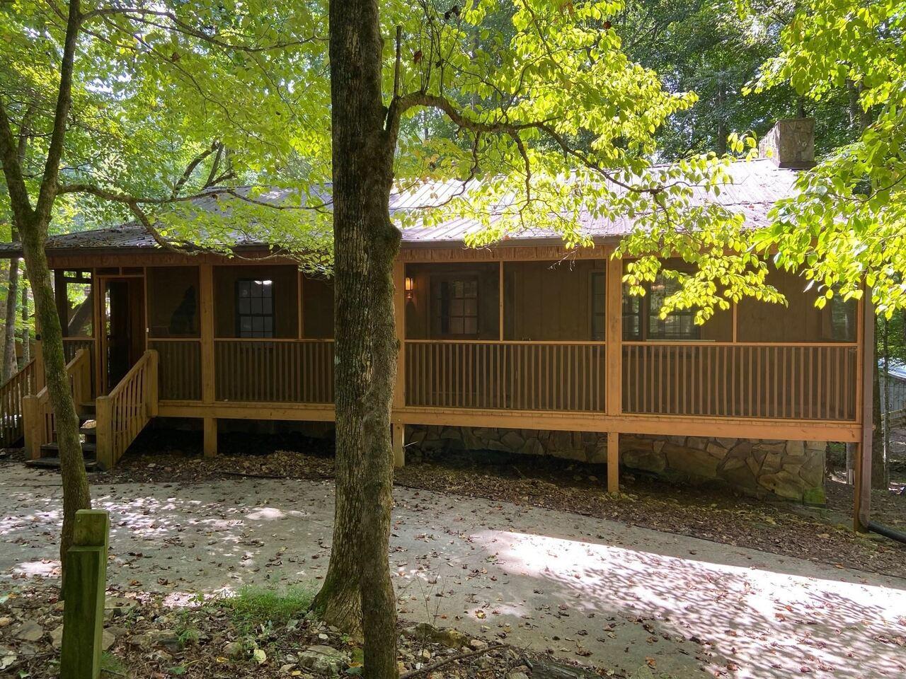 4268 White Oak Property Photo