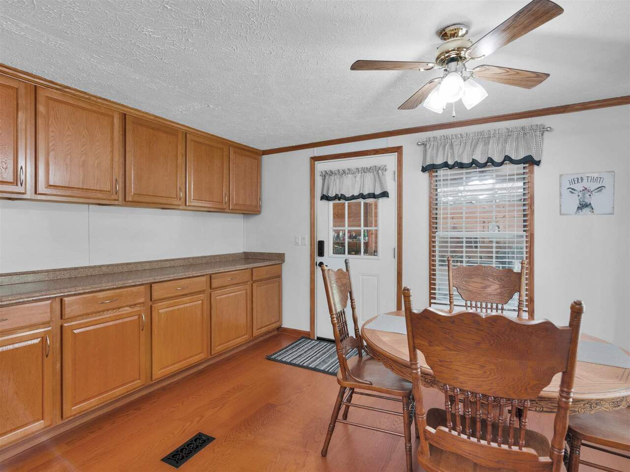 258 Country Kitchen Road Property Photo 8