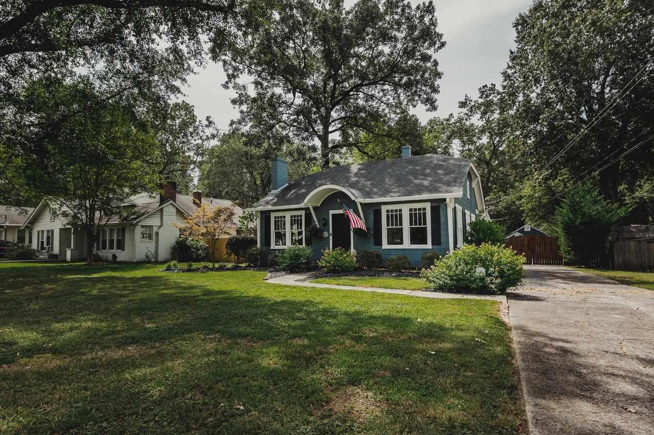 109 Oakwood Street Nw Property Photo