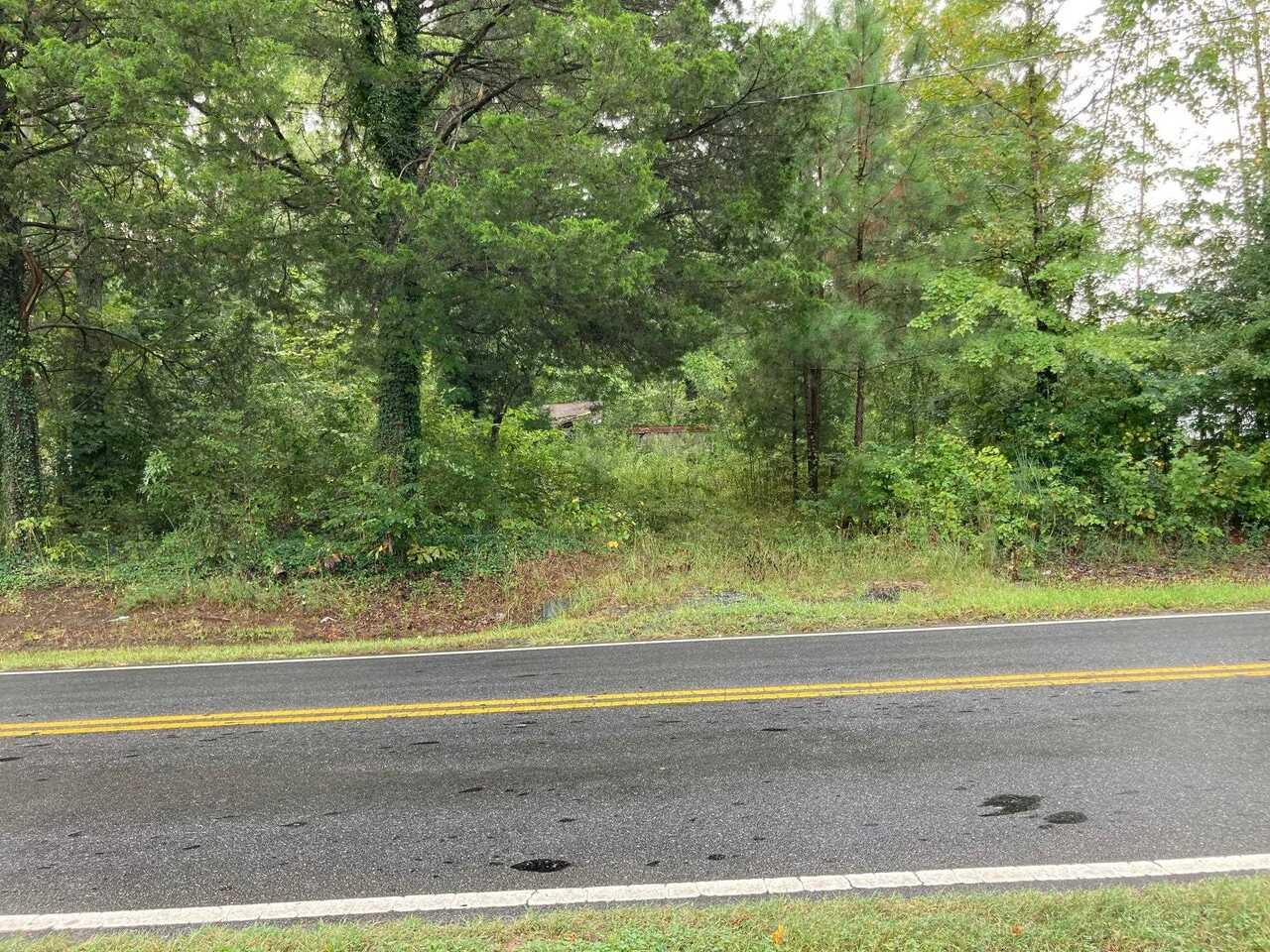6290 Woodstock Road Property Photo