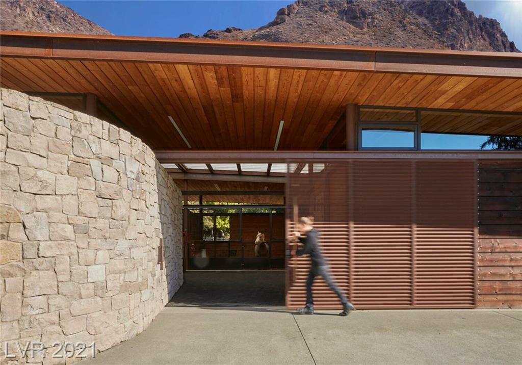 2 Canyon Enclave Drive Property Photo 16