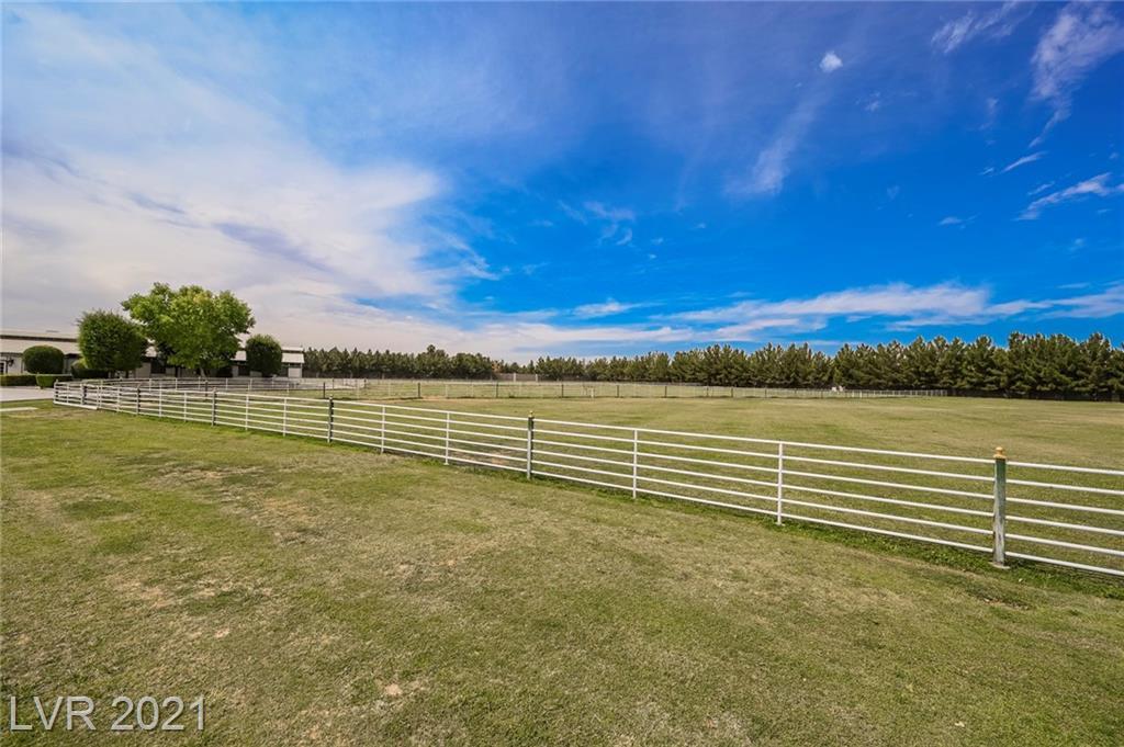6629 Pecos Road Property Photo 11
