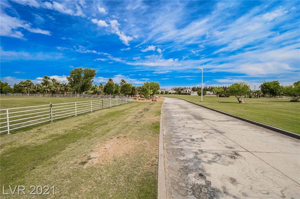 6629 Pecos Road Property Photo 12