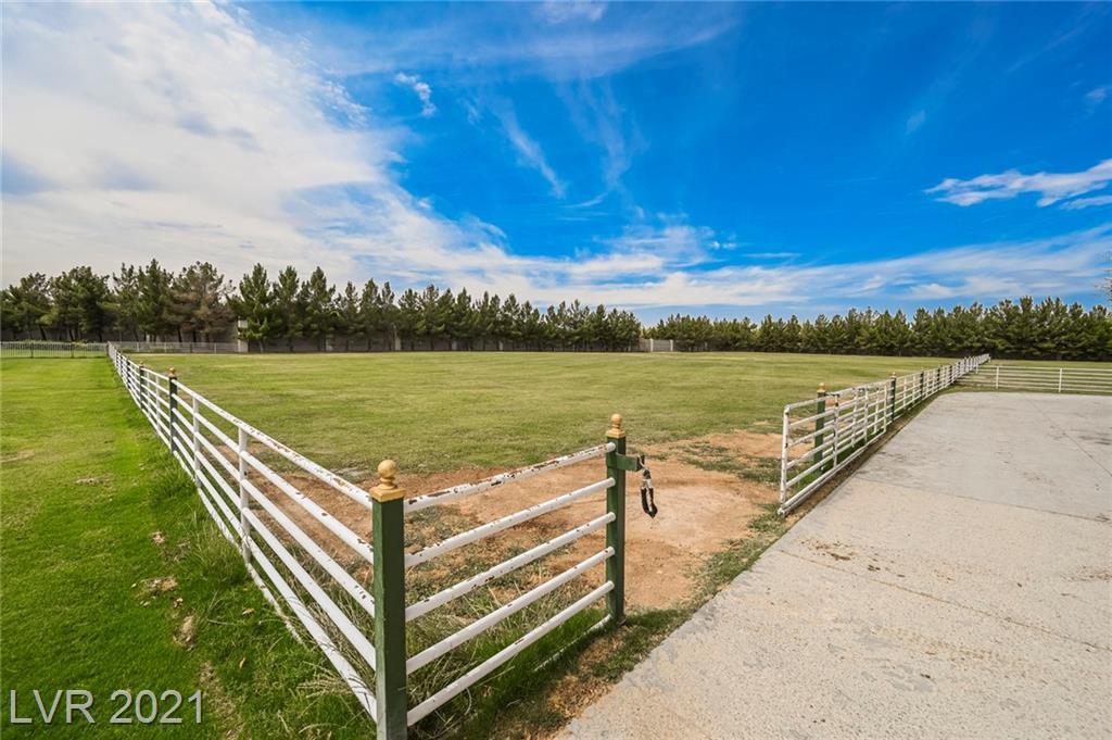 6629 Pecos Road Property Photo 15
