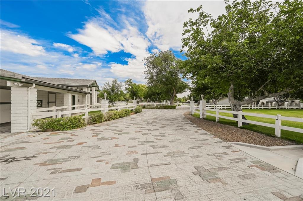 6629 Pecos Road Property Photo 21
