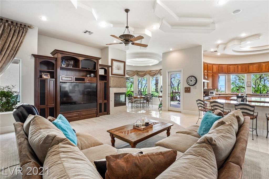 9720 Highridge Drive Property Photo 12