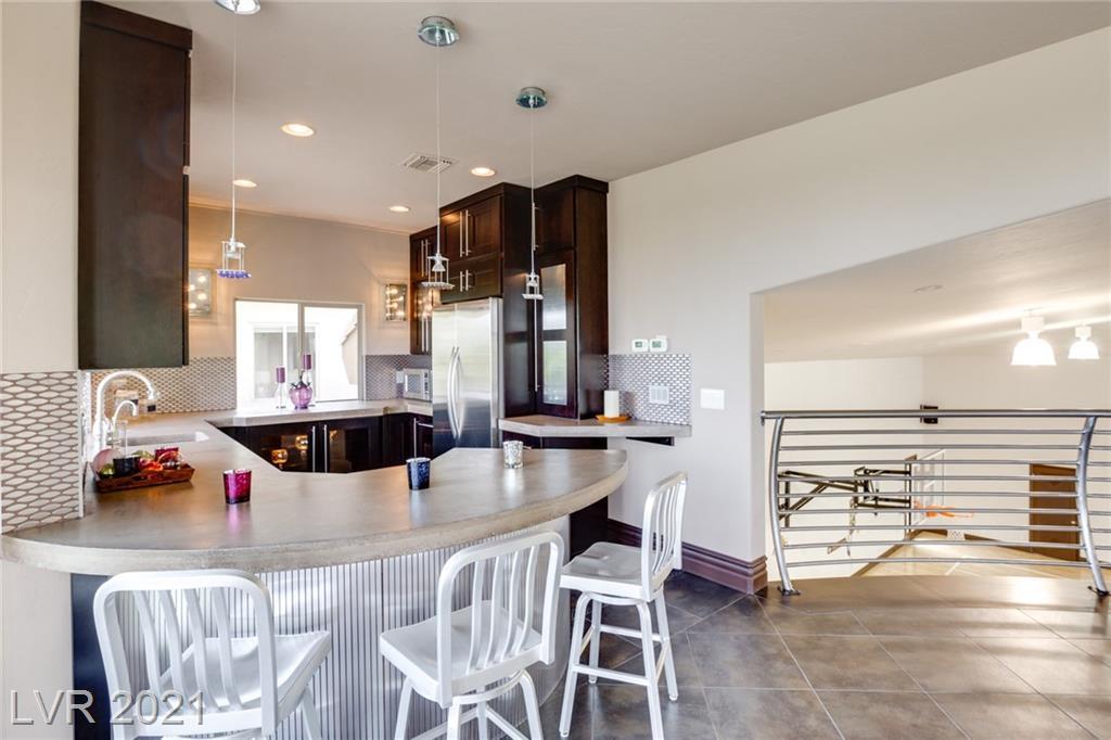 9720 Highridge Drive Property Photo 31