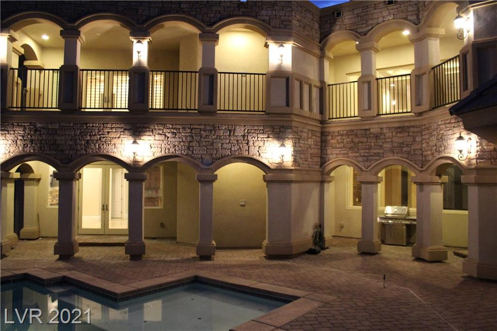 768 Tozzetti Lane Property Photo 6