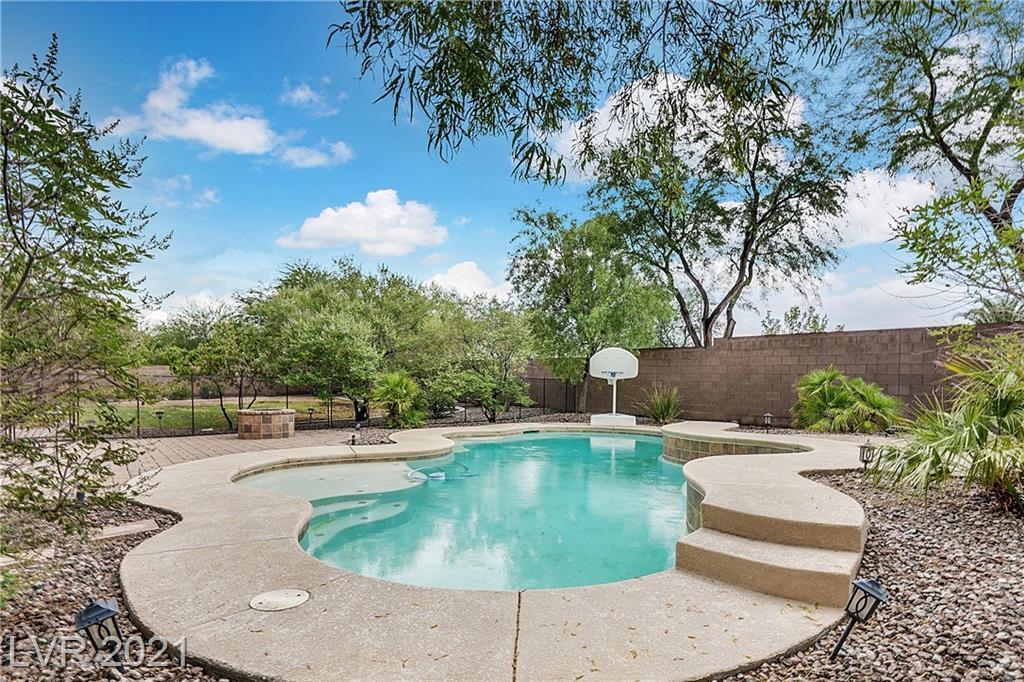 8337 Christinas Cove Avenue Property Photo 1