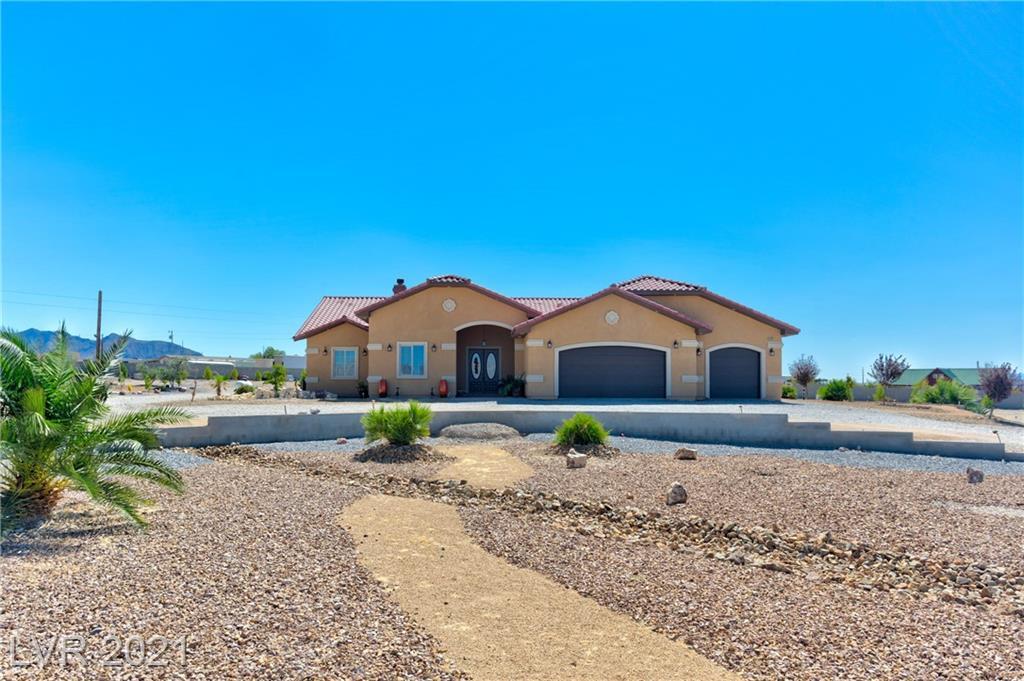 2281 Winona Way Property Photo 1