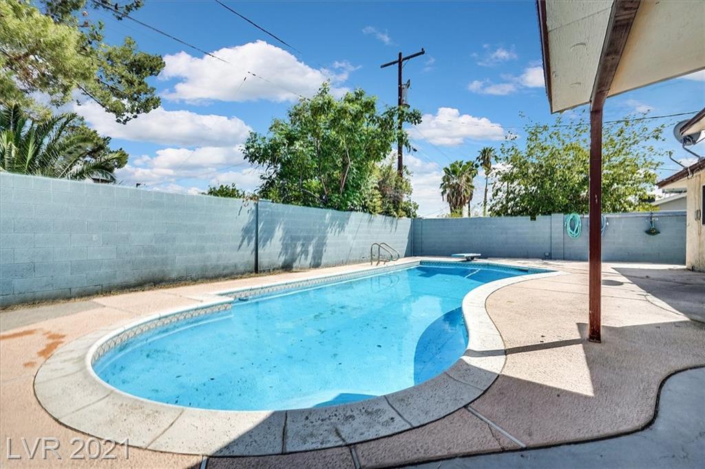 4208 El Jardin Avenue Property Photo 1
