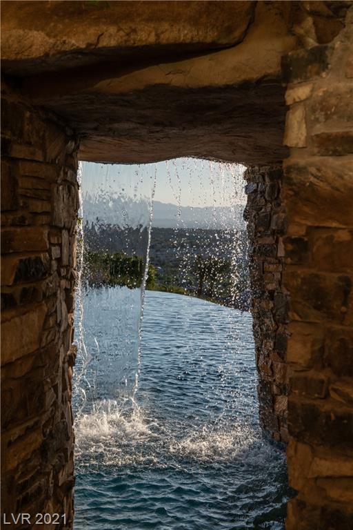 472 Saint Moritz Drive Property Photo 37
