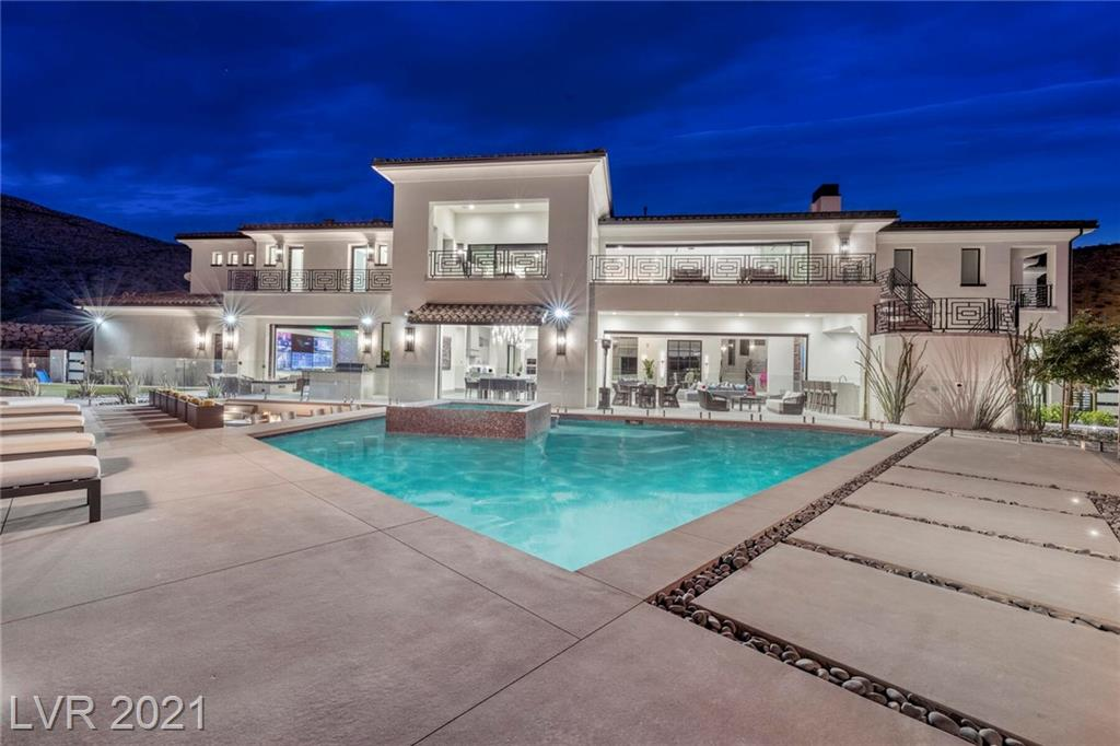 16 Oakmont Hills Lane Property Photo 2