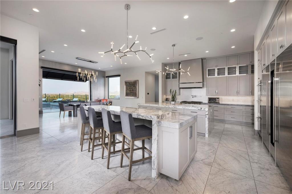 16 Oakmont Hills Lane Property Photo 8