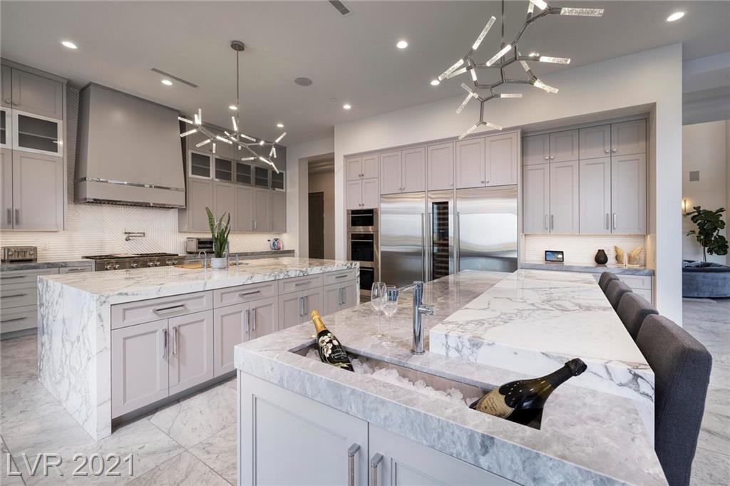 16 Oakmont Hills Lane Property Photo 9