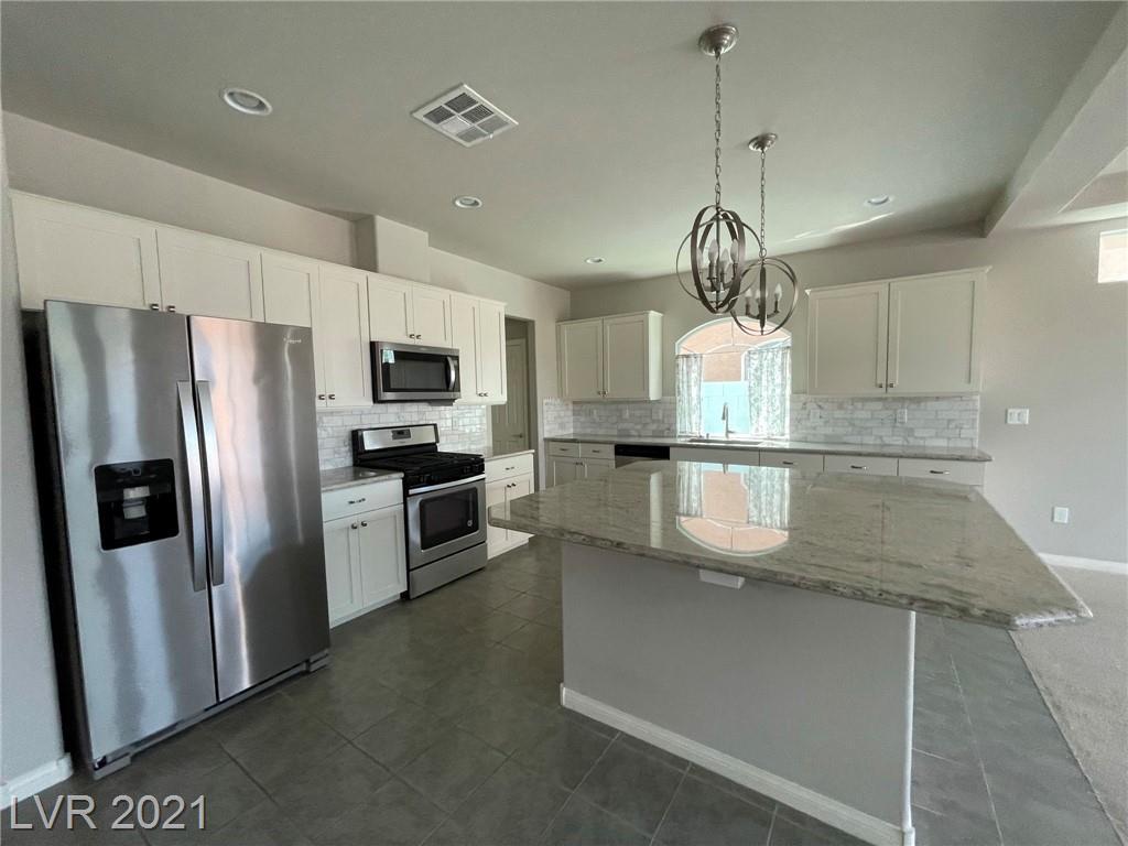 5604 Brimstone Hill Avenue Property Photo 4