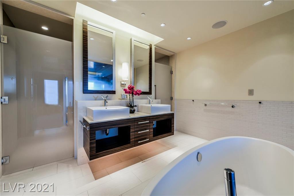 3750 Las Vegas Boulevard 4002 Property Photo 22