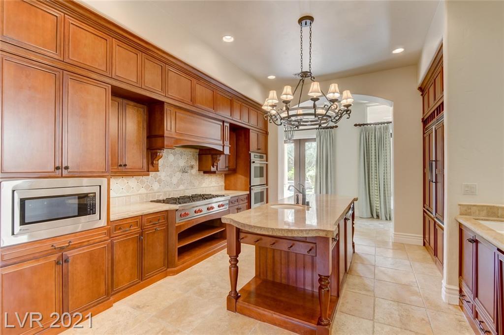 405 Royalton Drive Property Photo 12