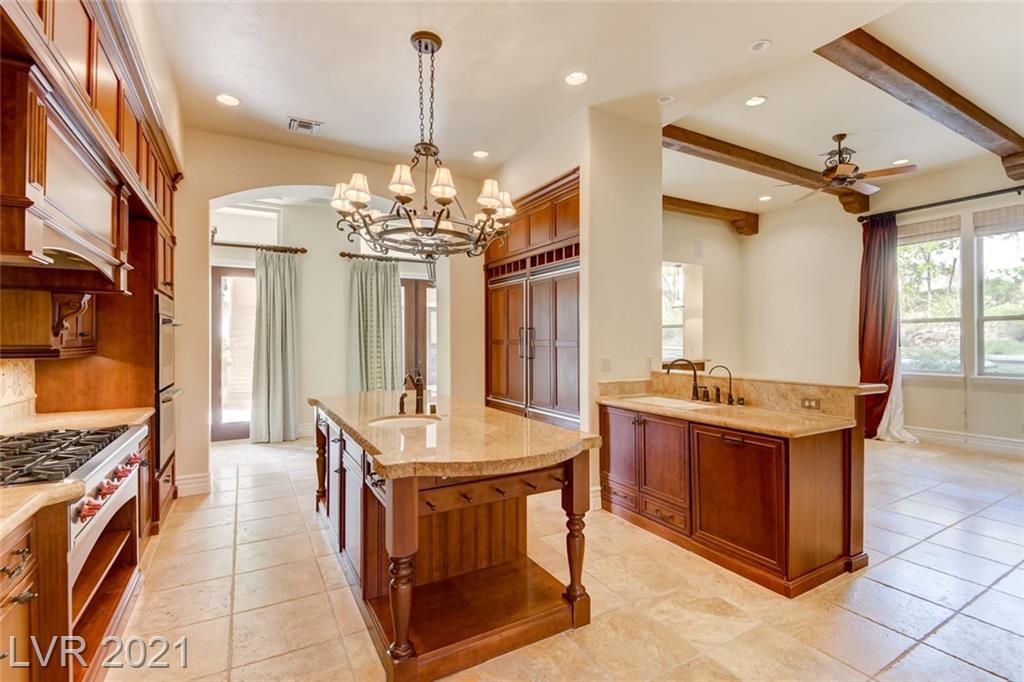 405 Royalton Drive Property Photo 13