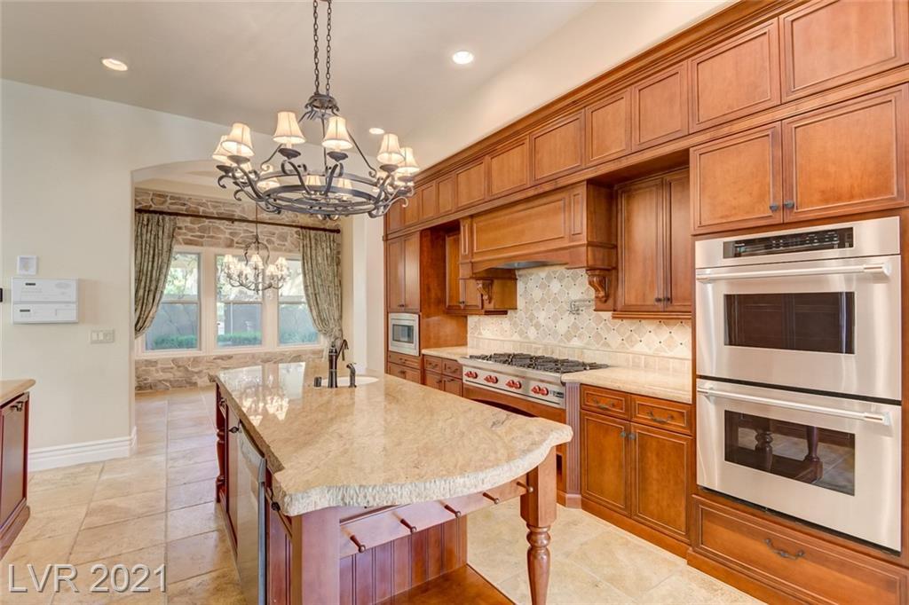 405 Royalton Drive Property Photo 14