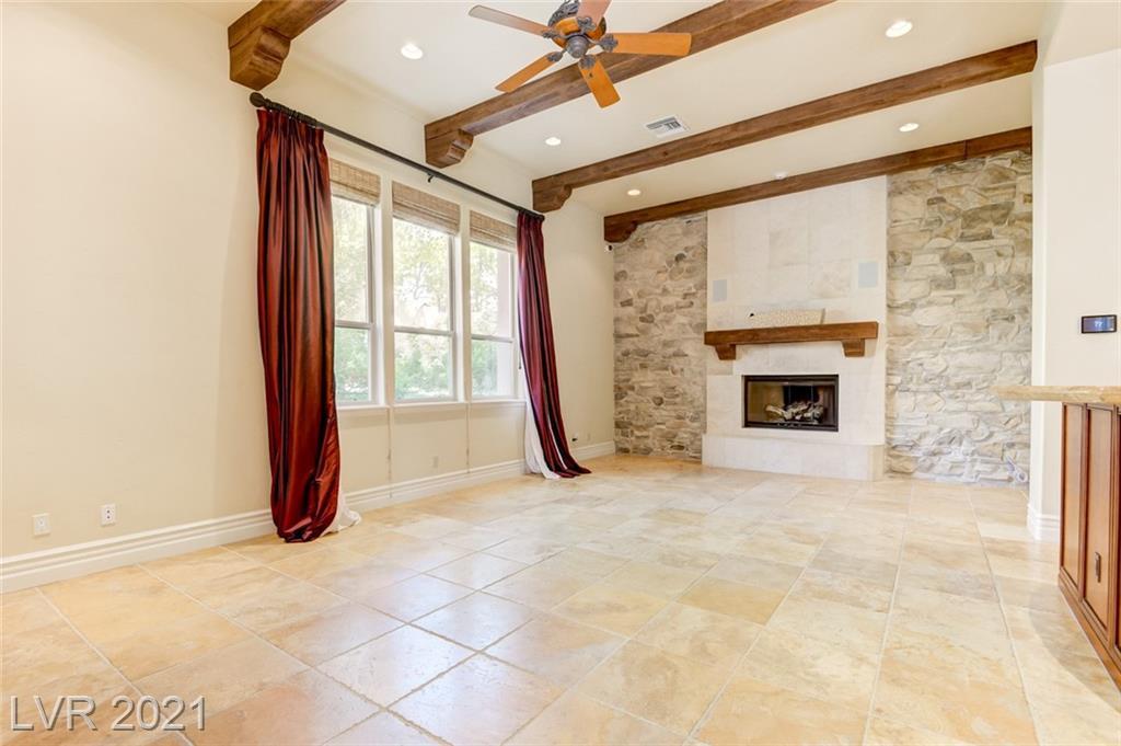 405 Royalton Drive Property Photo 16