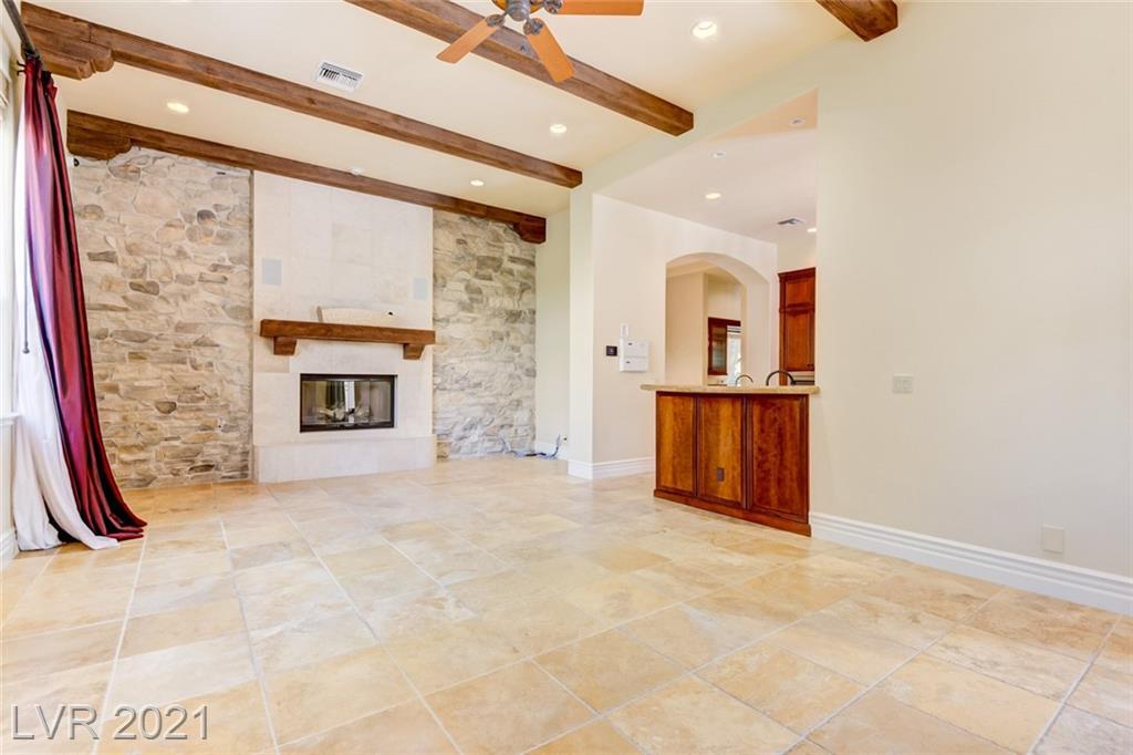 405 Royalton Drive Property Photo 17