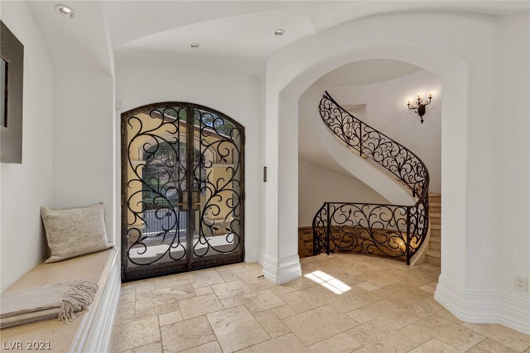 34 Grand Corniche Drive Property Photo 8