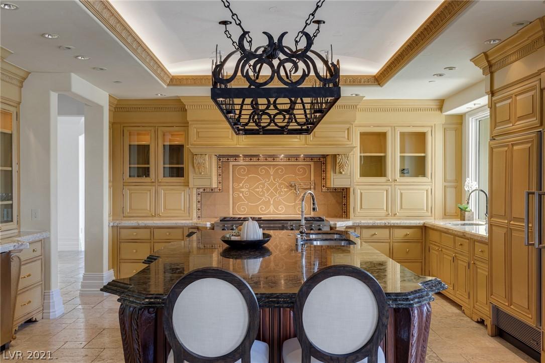 34 Grand Corniche Drive Property Photo 14
