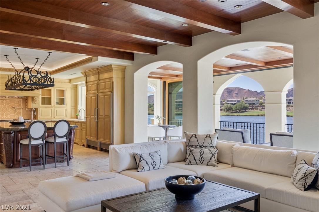 34 Grand Corniche Drive Property Photo 17