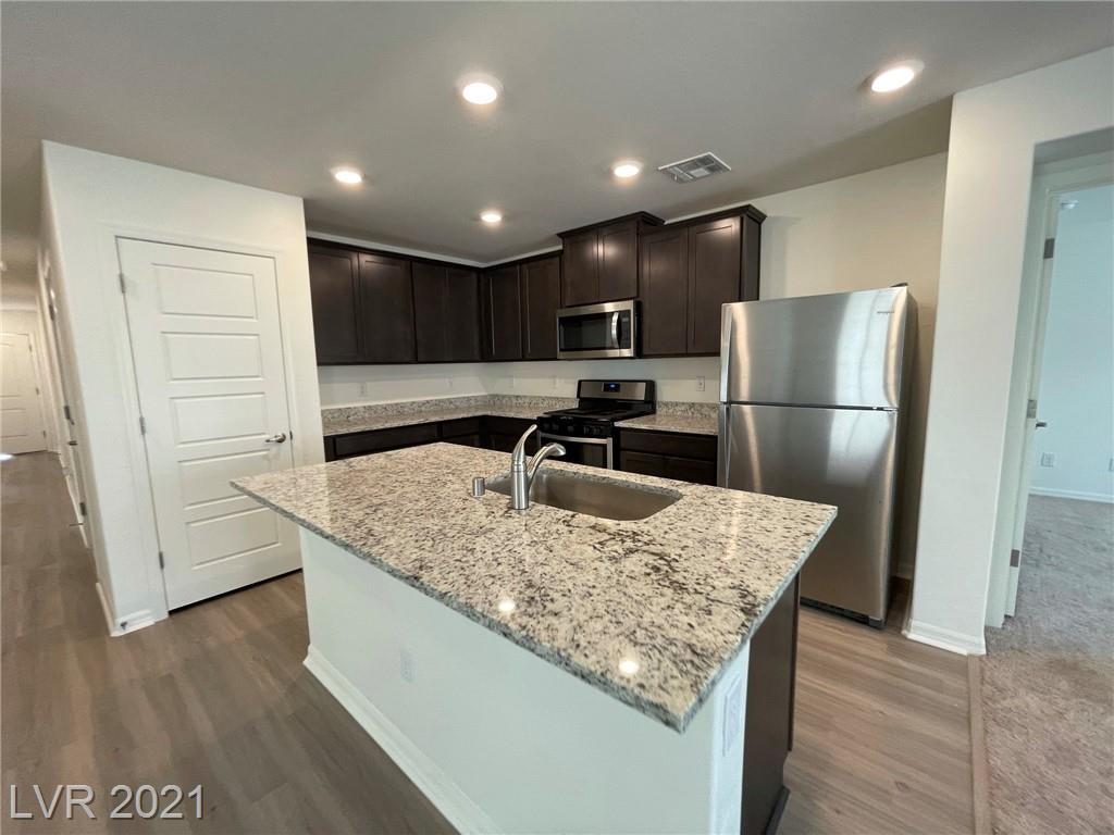 602 Abrazar Avenue Property Photo 5