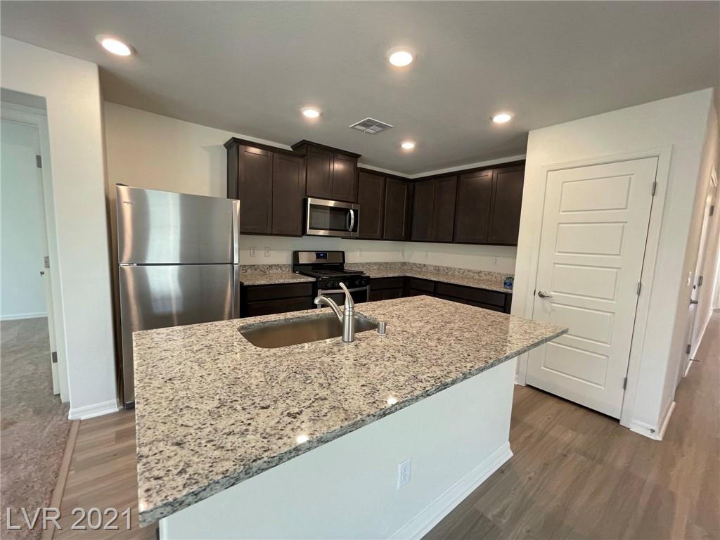 513 Abrazar Avenue Property Photo 7