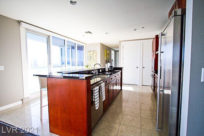 4525 Dean Martin Drive 2208 Property Photo 3