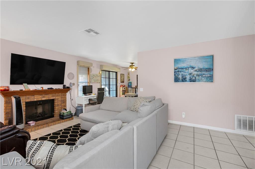 6627 West Tropicana Avenue 104 Property Photo