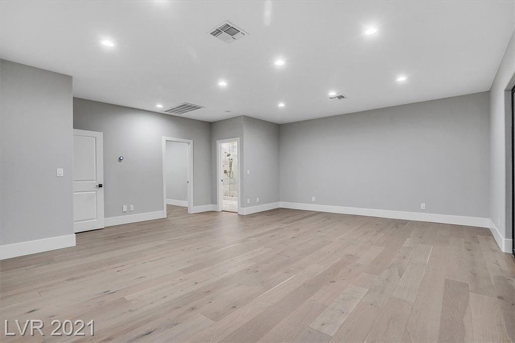 1700 Silver Oaks Street Property Photo 34
