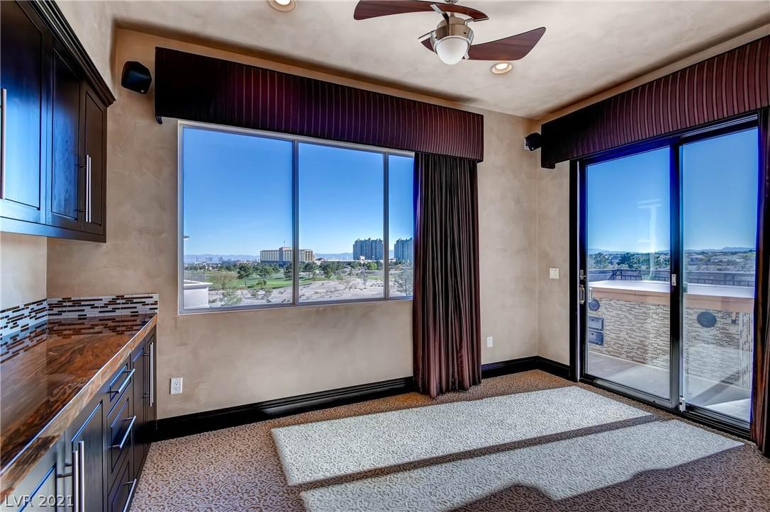 9227 Tesoras Drive 402 Property Photo 31