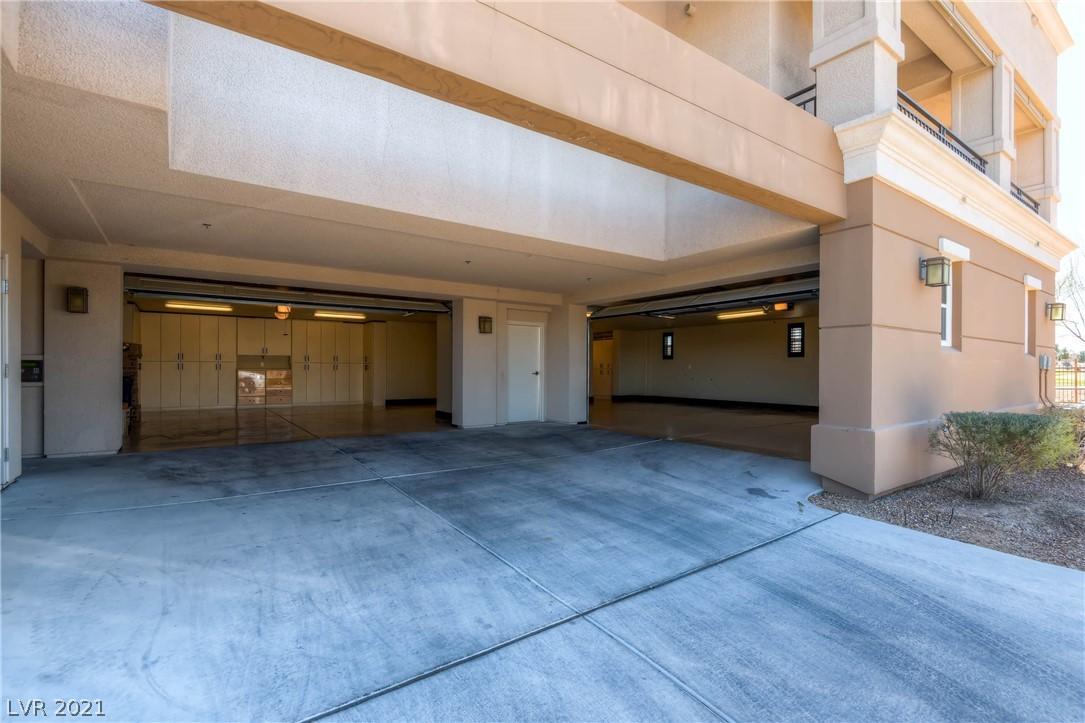 9227 Tesoras Drive 402 Property Photo 37