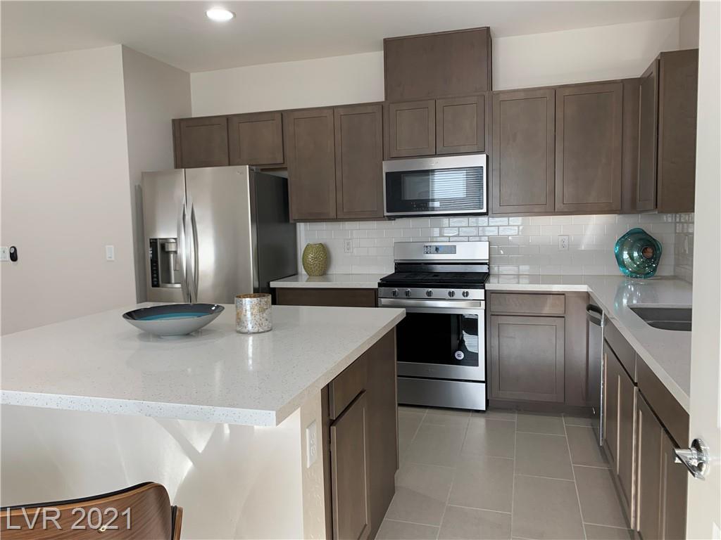 7015 Amethyst Peak Street Property Photo
