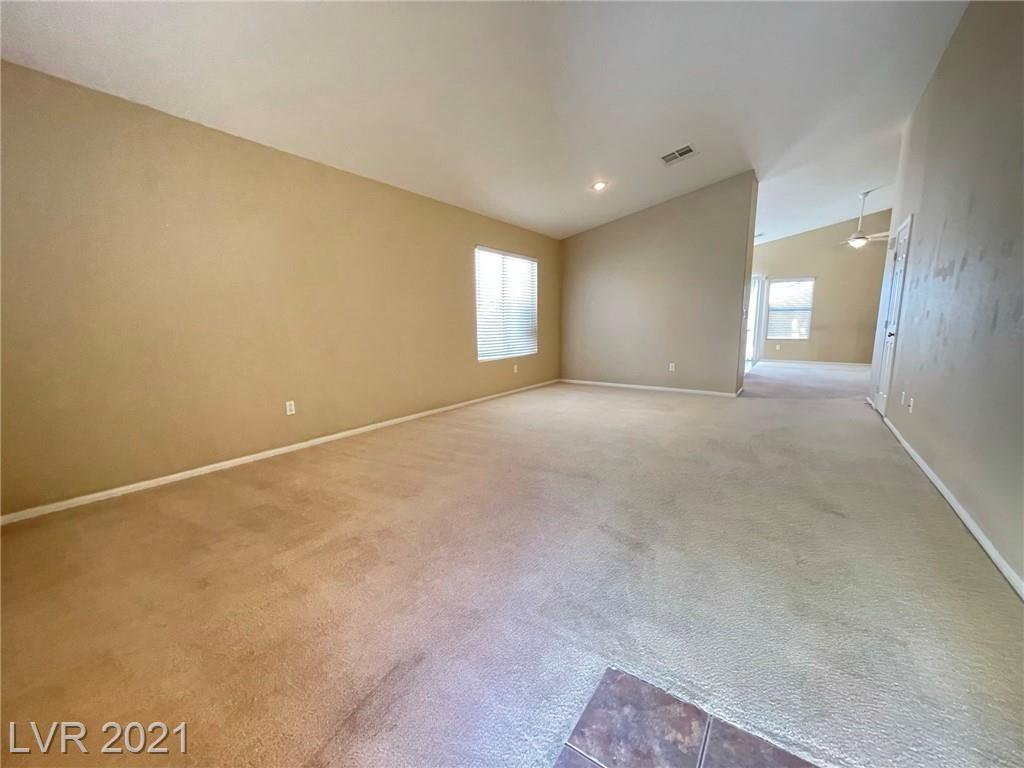 8545 Gracious Pine Avenue Property Photo 3