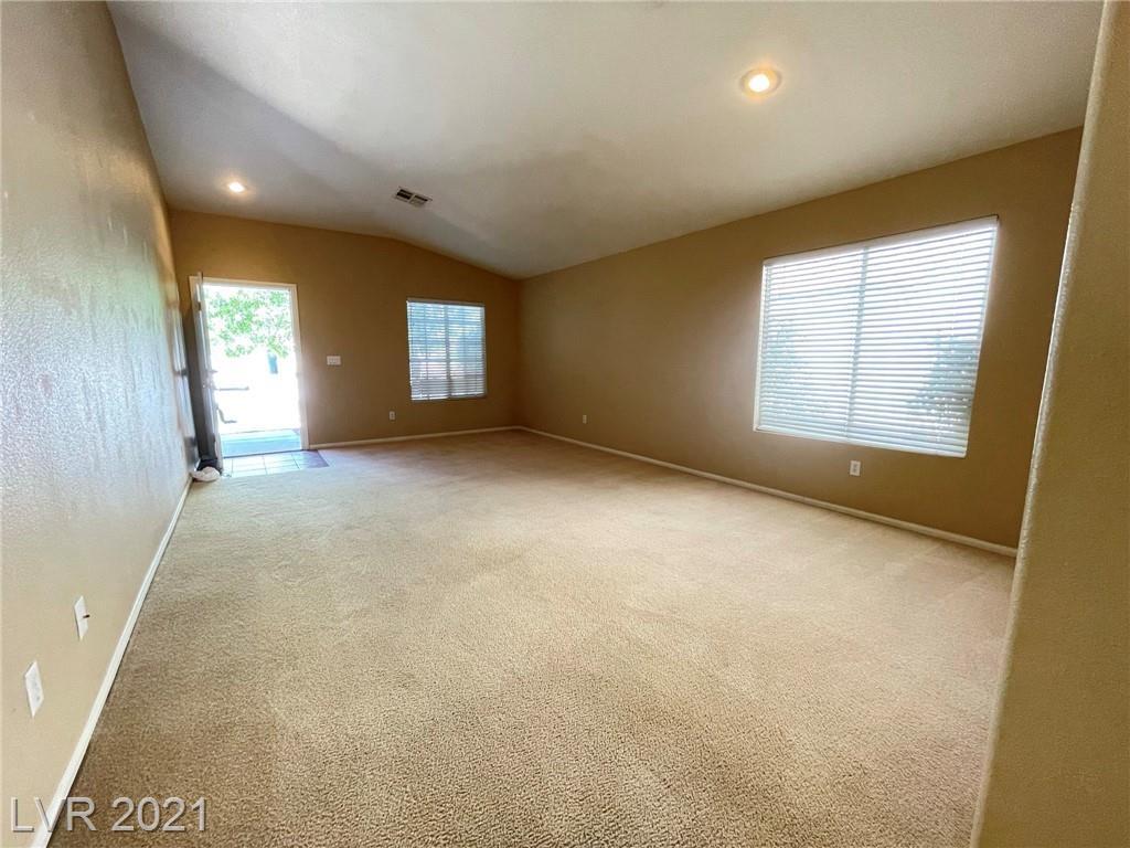 8545 Gracious Pine Avenue Property Photo 4