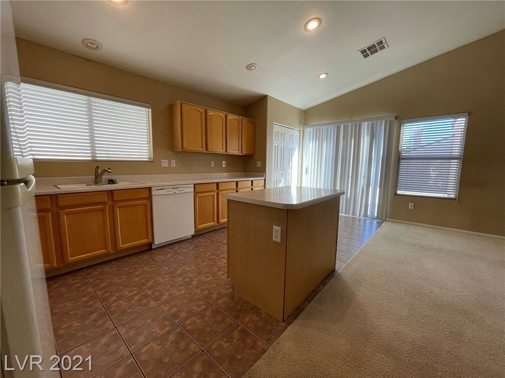 8545 Gracious Pine Avenue Property Photo 8