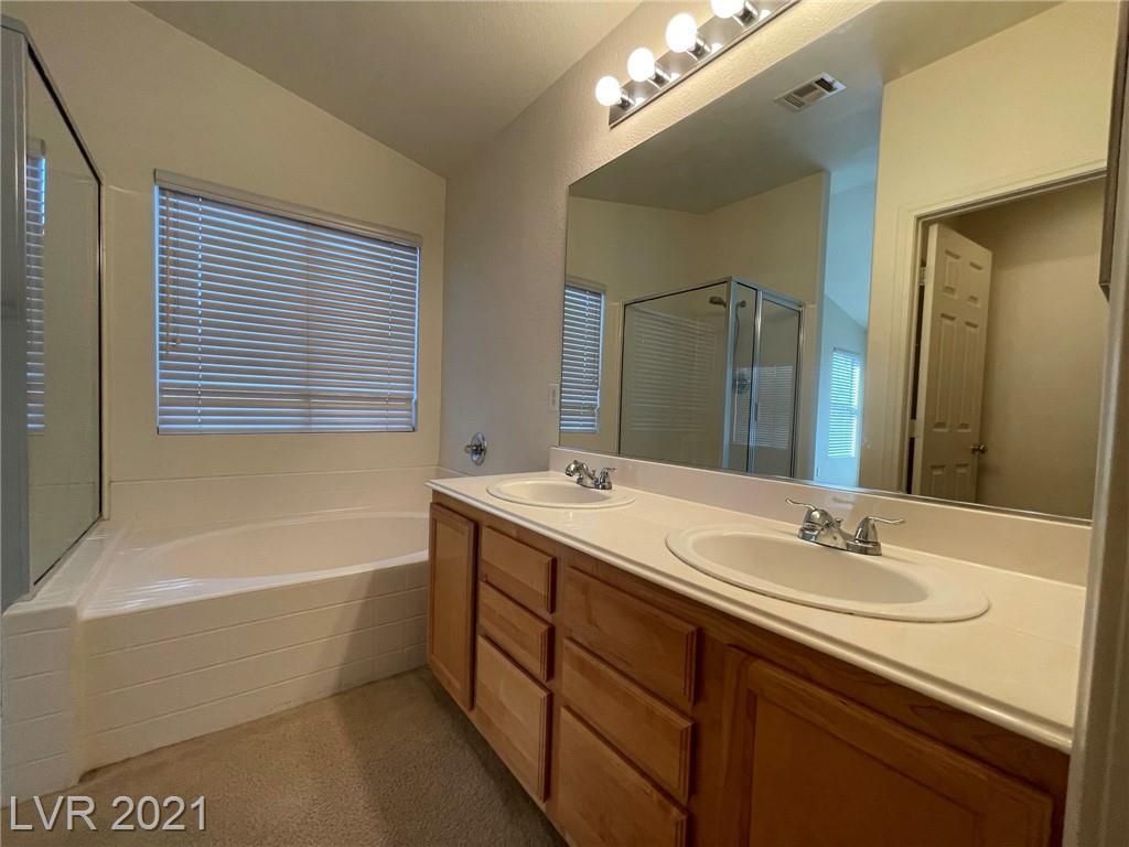 8545 Gracious Pine Avenue Property Photo 15