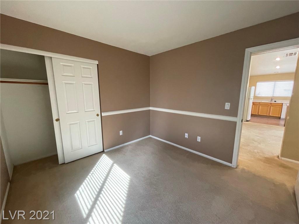 8545 Gracious Pine Avenue Property Photo 20