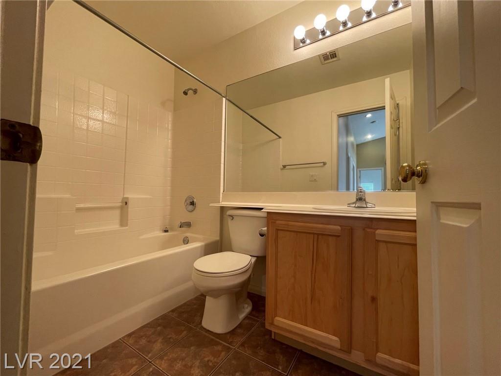 8545 Gracious Pine Avenue Property Photo 22