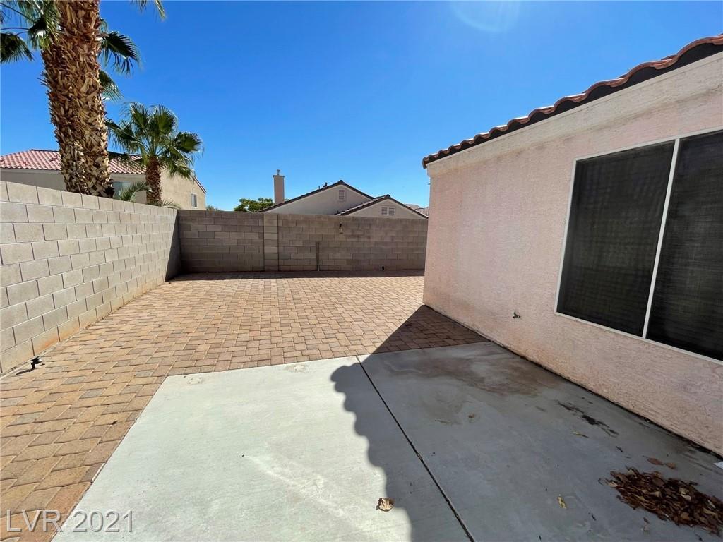 8545 Gracious Pine Avenue Property Photo 24